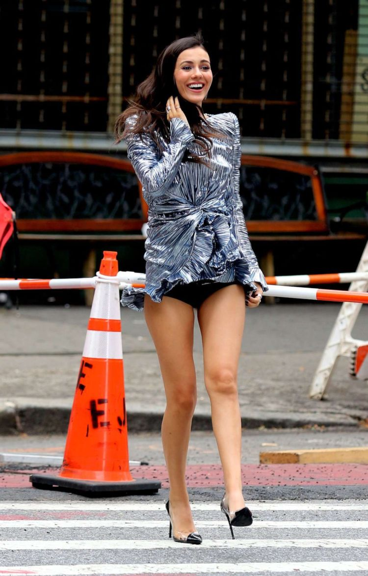 Victoria Justice Running On The Set Of A Photoshoot In New York