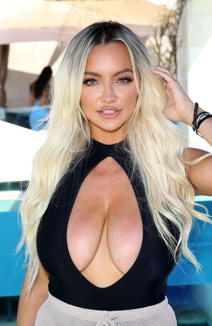 Lindsey Pelas At The Sapphire Pool & Day Club Labor Day Weekend Poolside Bash